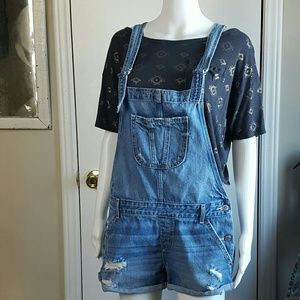 Hollister jean overall shorts distressed